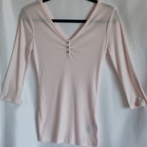 NWOT Guess double V neck 3/4' sleeves